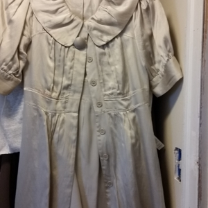 Pearl satin vintage dress with huge button