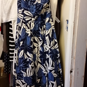 Blue and white Hawaiian print strapless dress with full skirt